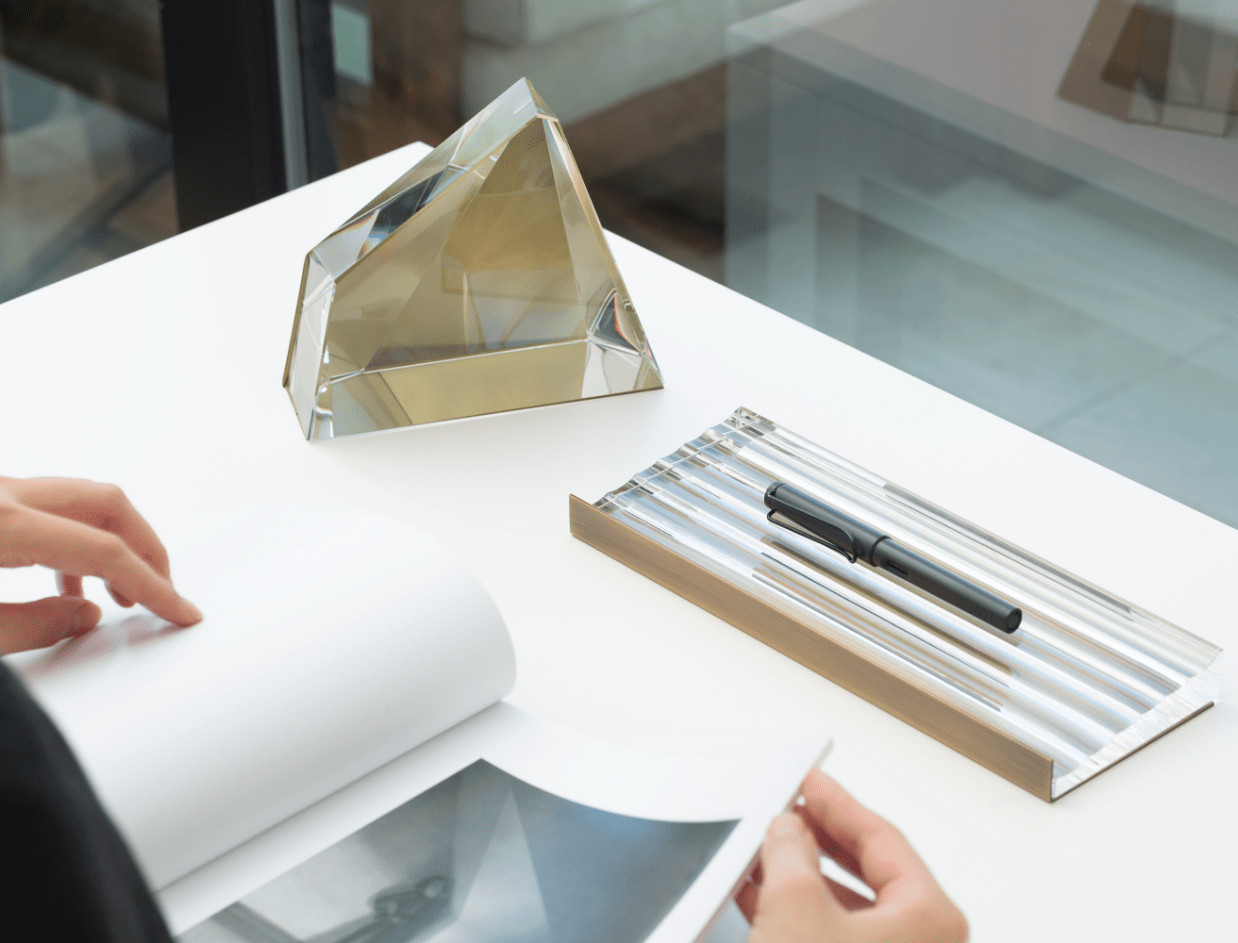 modern office accessories: bookend and pen tray